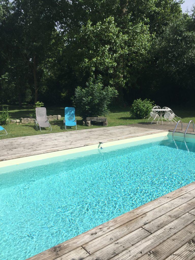 2018 05 piscine vue vers sud jardin